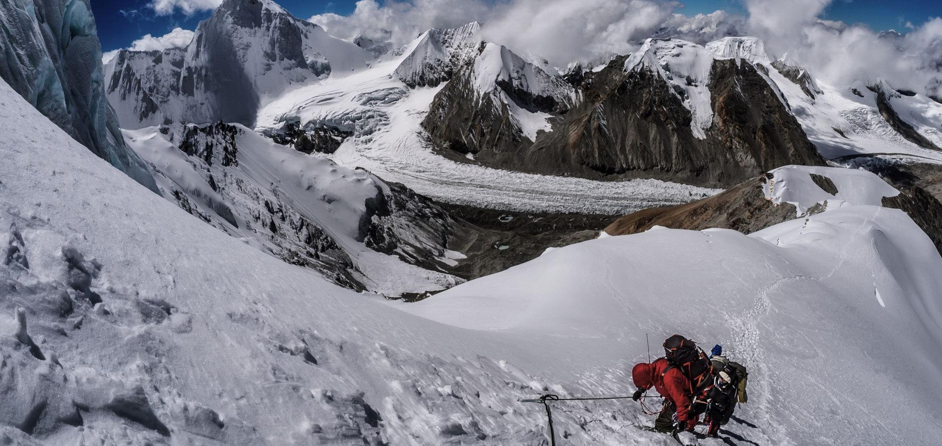 Poznaj świat pionowego lodu KURSY WSPINACZKI LODOWEJ